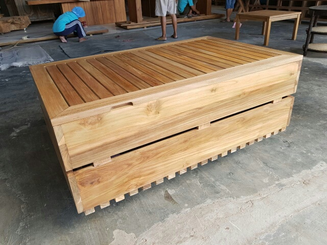 Outdoor Coffee Table (1).jpg