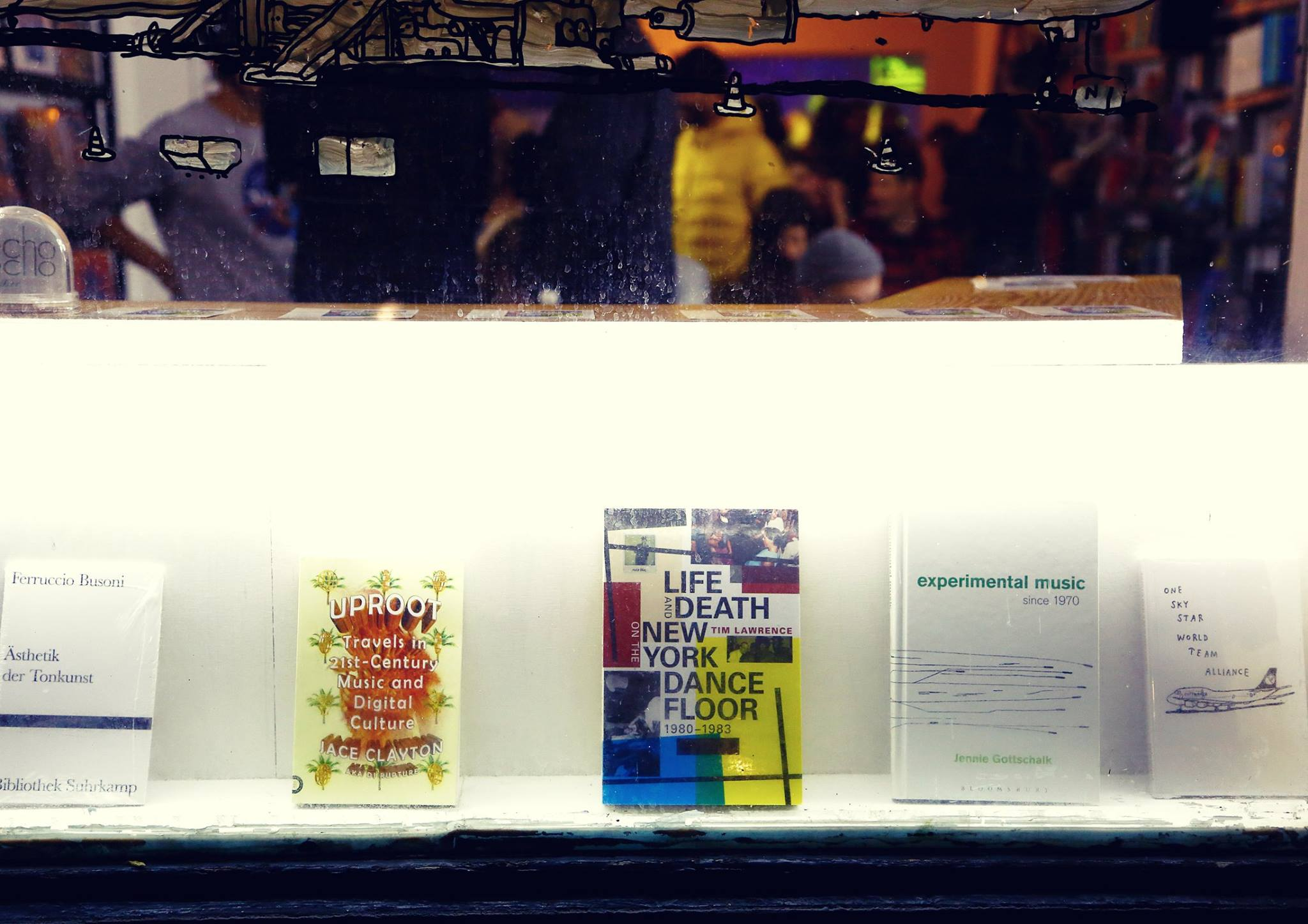 L&D keeping happy company at Echo Books in Berlin. Photo- Marie Staggat — with Jennie Gottschalk. .jpg