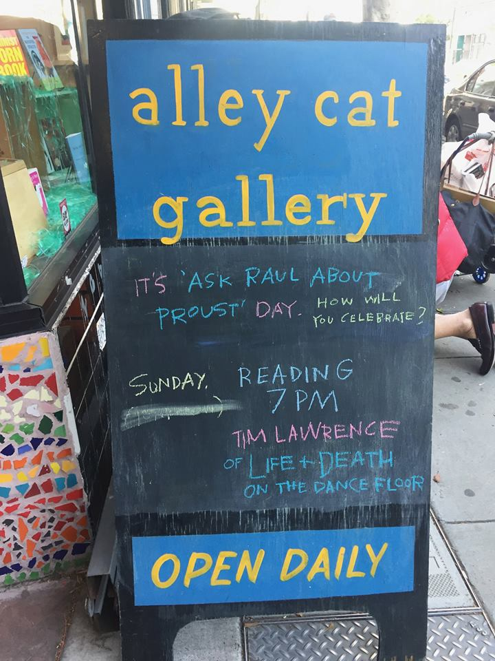 Alley Cat Books, San Francisco.