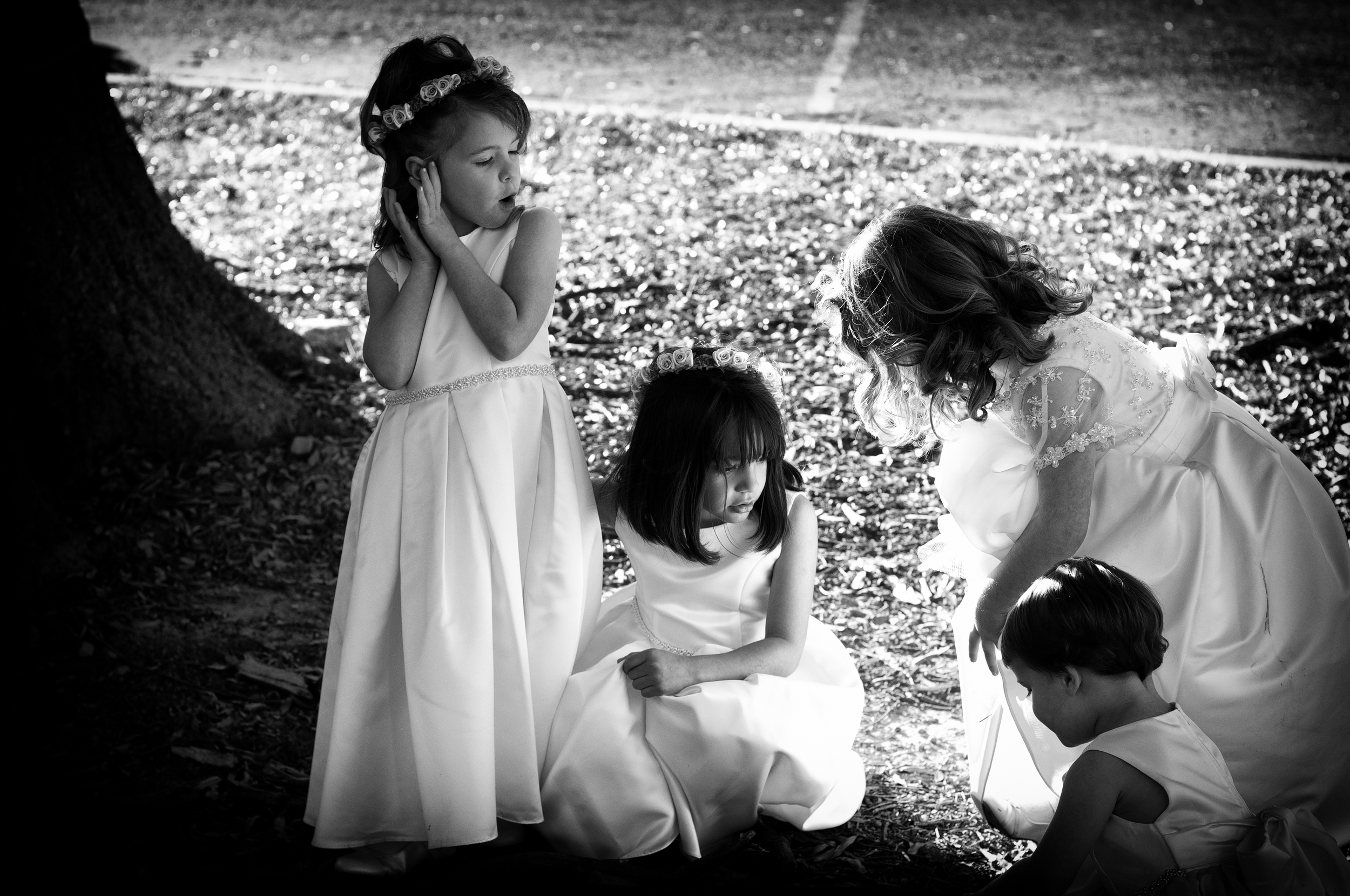 Three Little Girls Play at Wedding, Basingstoke Wedding Photographers, Kenneth Light Studios