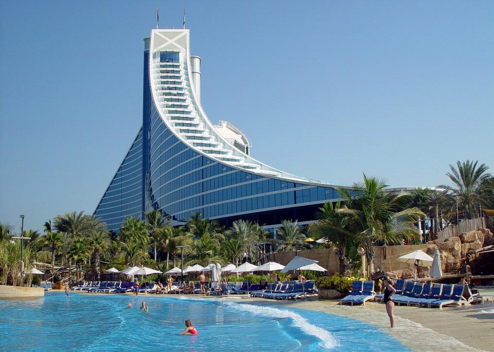 Jumeriah Beach Hotel 6 WKK.jpg