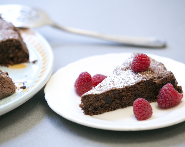 Flourless Almond and Chocolate Cake.jpg