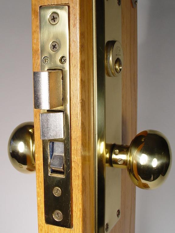 mort lock 2 set screws - closeup 2.jpg