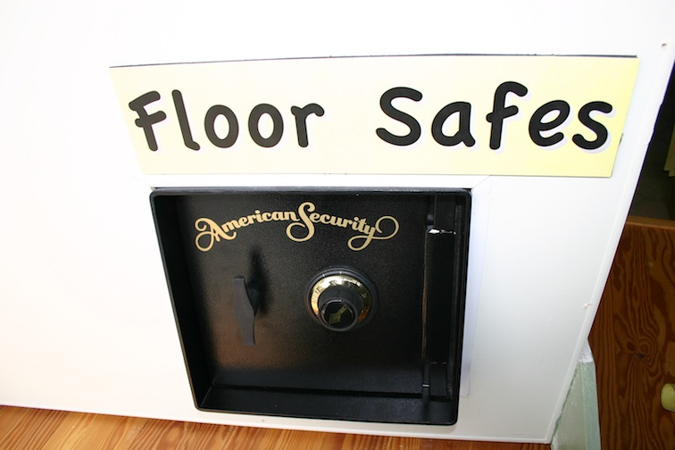 floor_safe.jpg