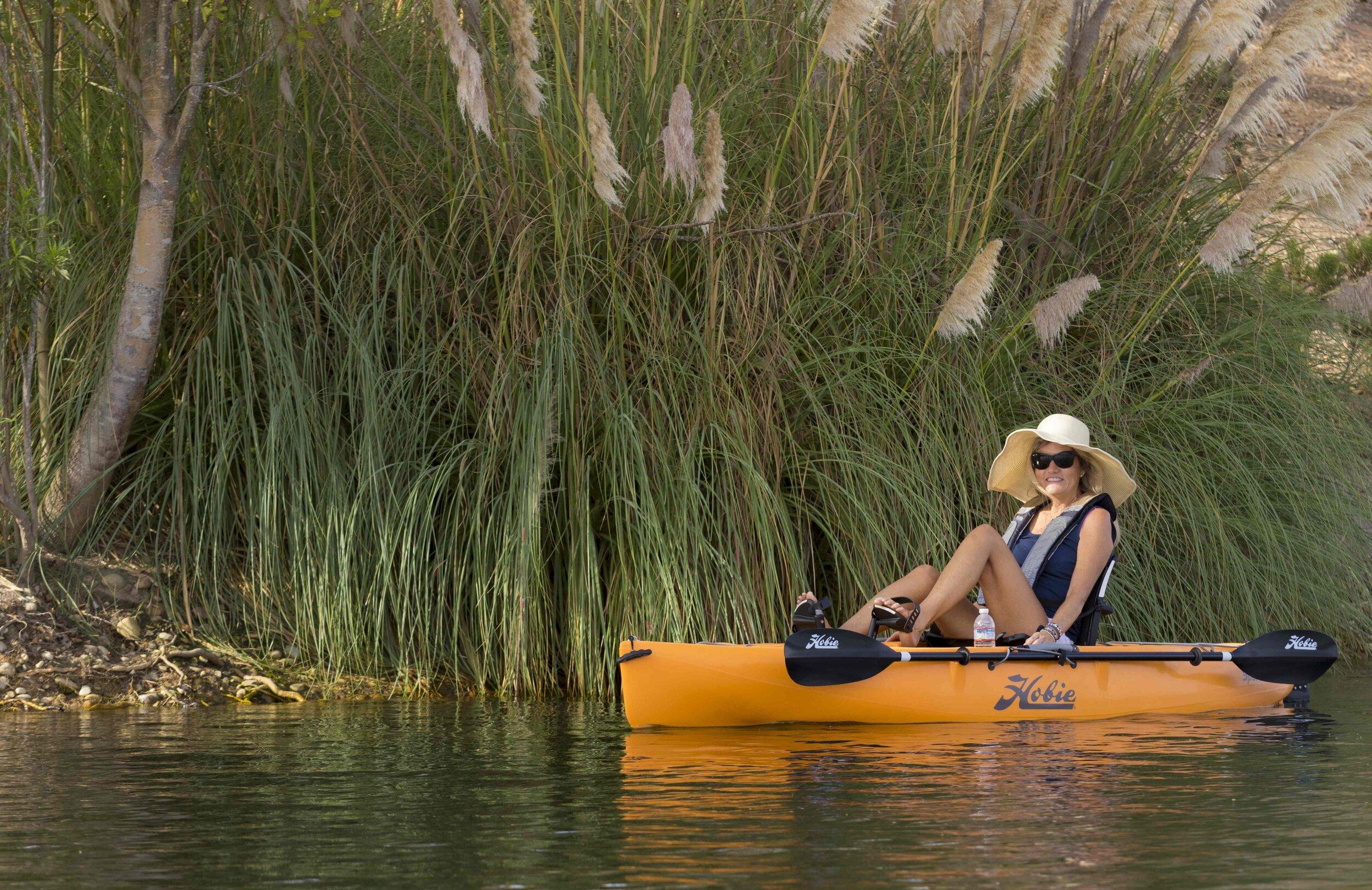 Sport_action_lake_papaya_mother_reeds_greenshore.jpg