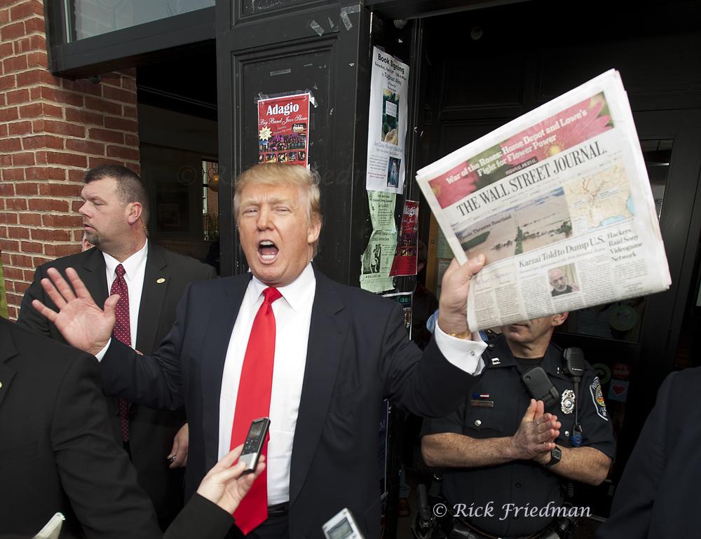 Trump-storms-NH06.jpg