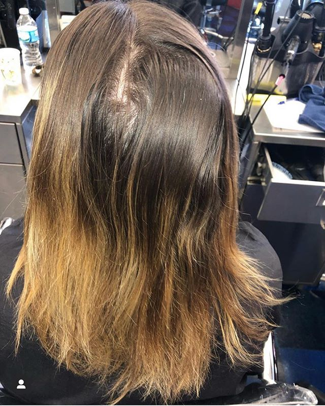 Look at that dimension! Swipe for the after pics! What a beautiful balayage done by student @beauty_by_karsynberk  Her guest came in for a natural, caramel balayage. Her hair had been over-blonded from several balayage sessions leaving the ends solid blonde and lacking dimension. Karsyn brought up the grown out blonde as well as adding depth with her natural color painted between the foils. Great job Karsyn! PERFECTION! 🙌🏻🙌🏻🙌🏻 . . . #avedacolor #ourstudentsrock #avedainstitute #casalaveda #hairpainting #balayage #fallbalayage #caramelbalayage #avedabalayage #lovewhatyoudo #followyourdreams