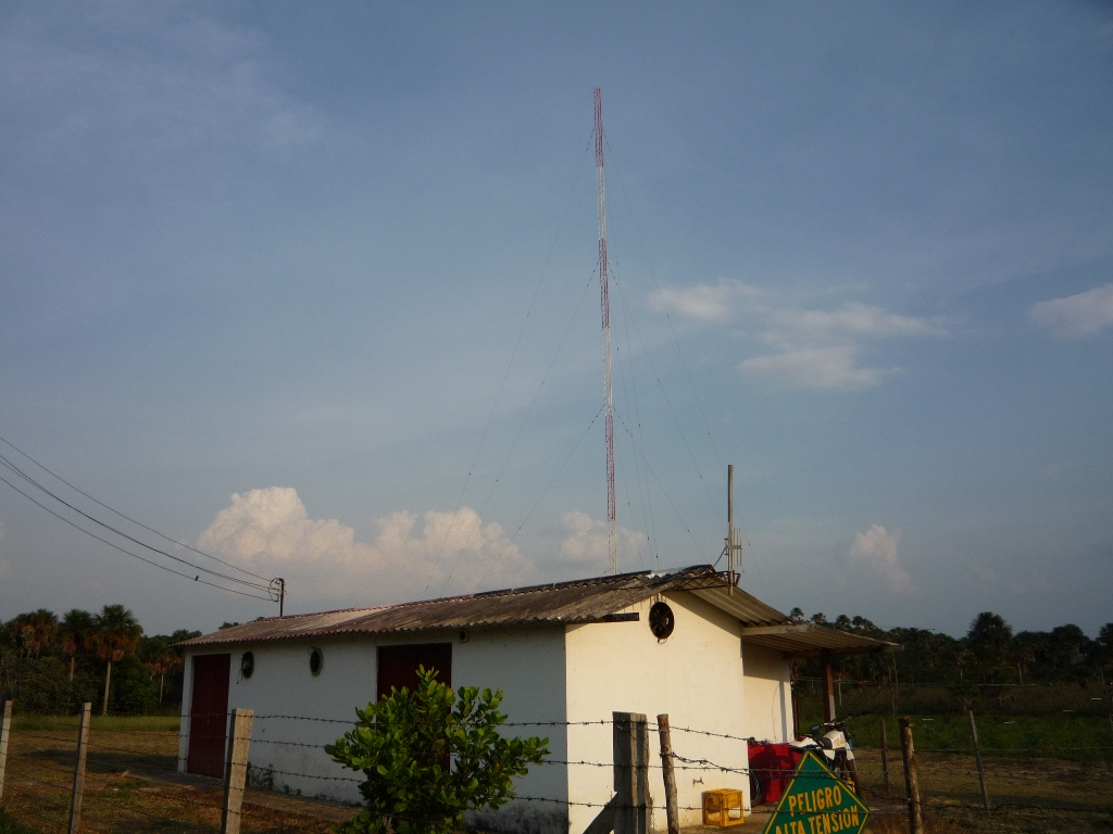 Alcaravan Radio's transmitter site in rural Columbia