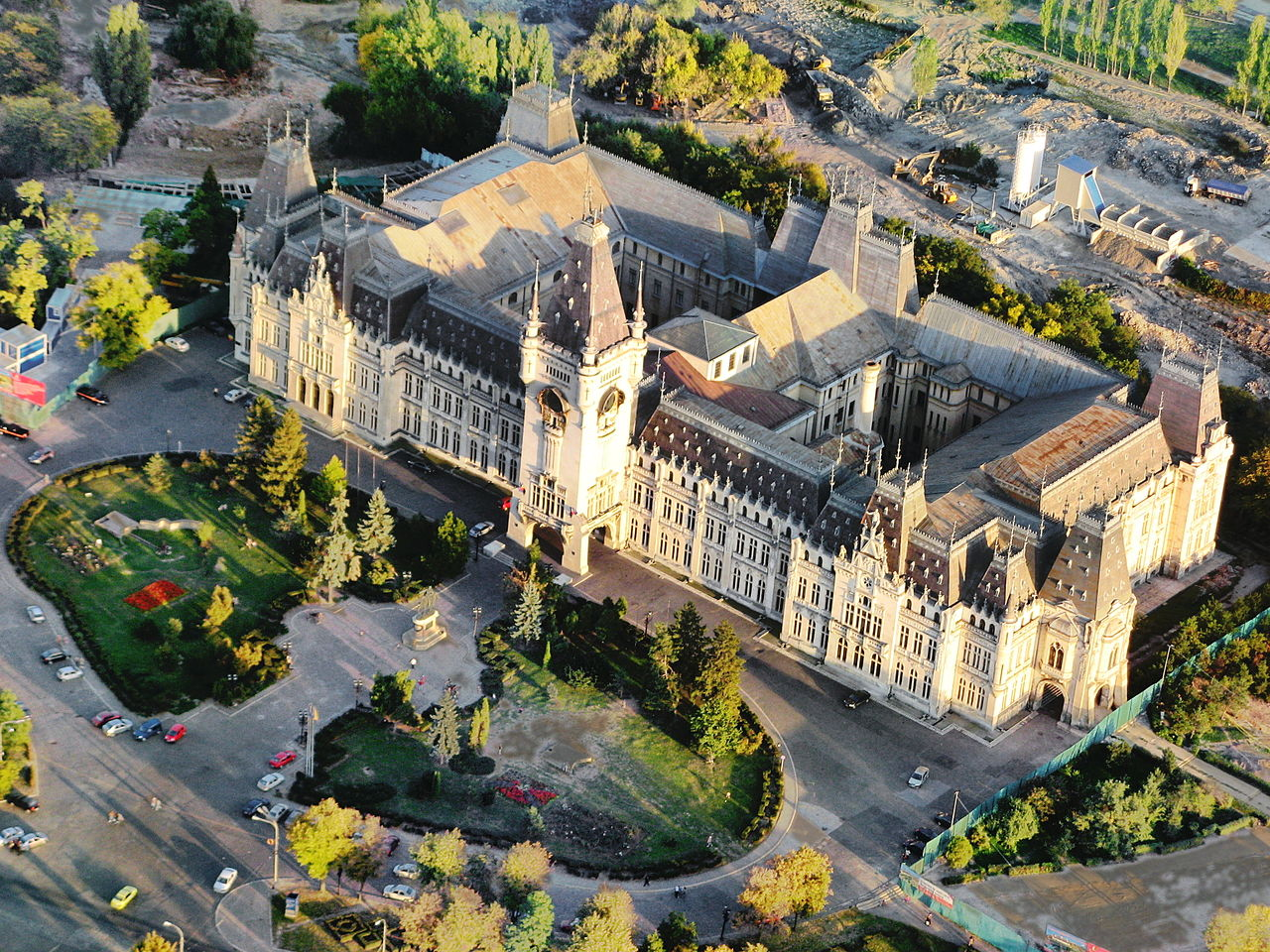 The  Palace of Culture  in  Iași  , built on the ruins of the Royal Court of Moldavia, hosts the largest art collection in Romania. (Source: Wikipedia)