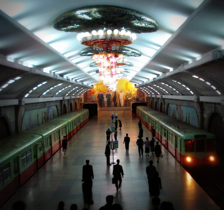 PYONGYANG METRO STATION (ORIGINAL SOURCE: WIKIMEDIA COMMONS)