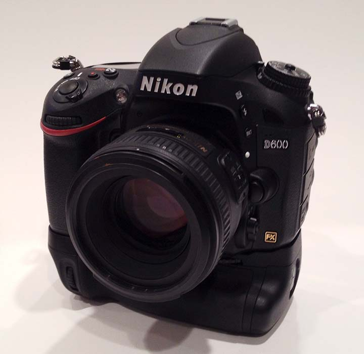 It's small but it does the job.  The AF-S Nikkor 50mm f/1.4G