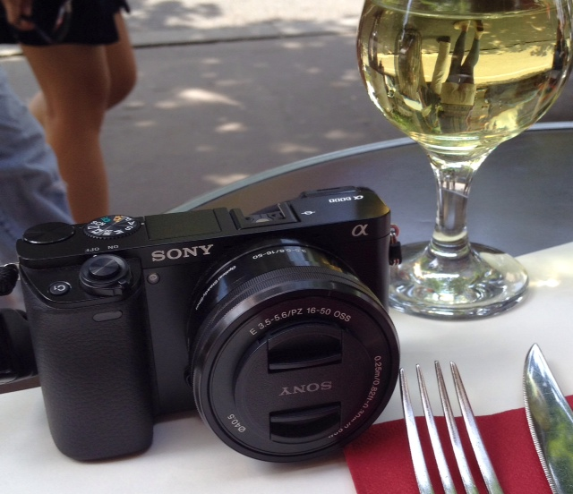 Paris cafe, a glass of wine & my Sony A6000 with the kit lens