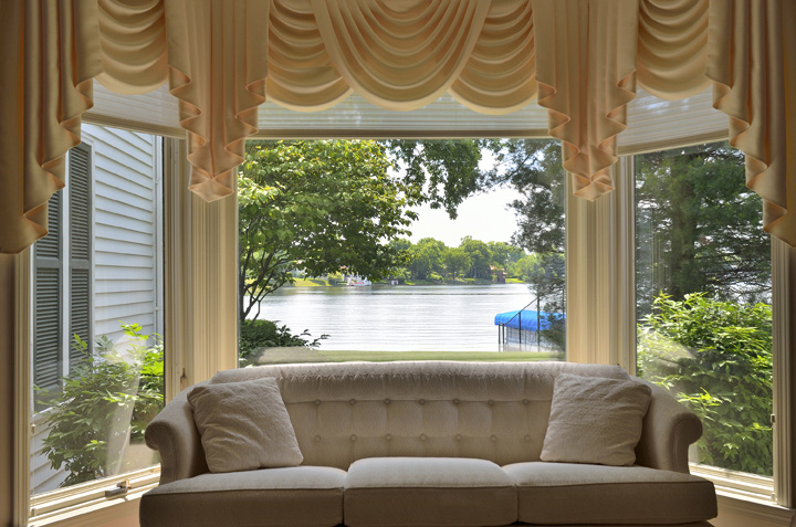 livingroomview1emailgre.jpg