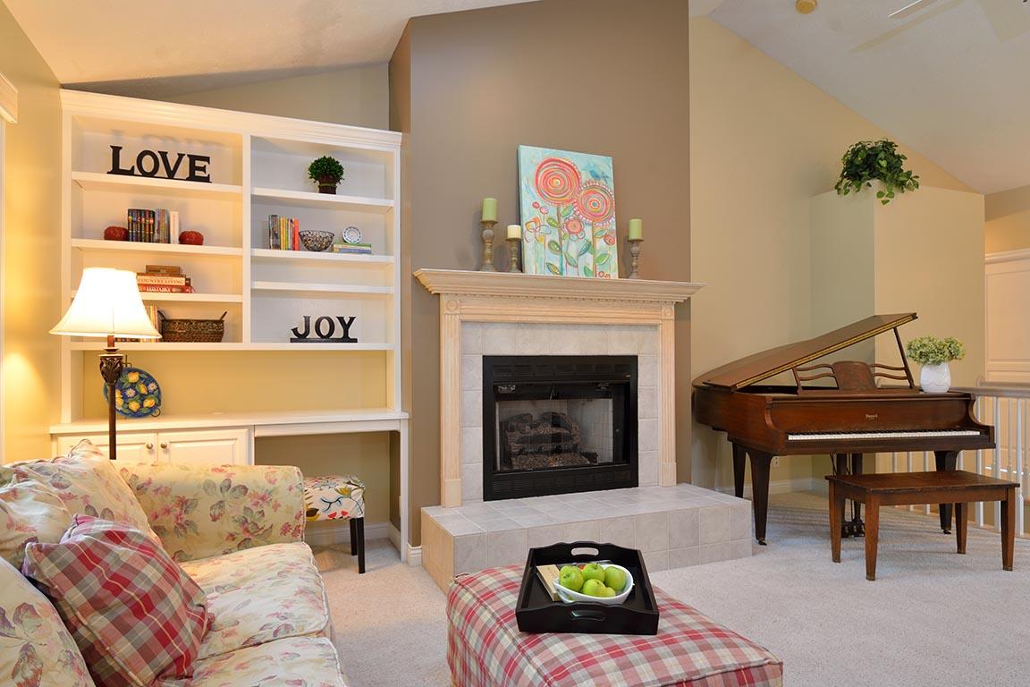 livingroom3email.jpg
