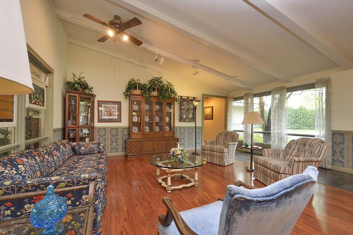 livingroom5email.jpg