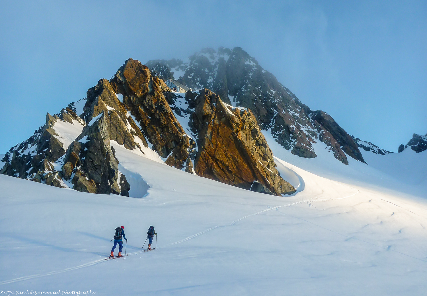 Skiing to Kelman Hut