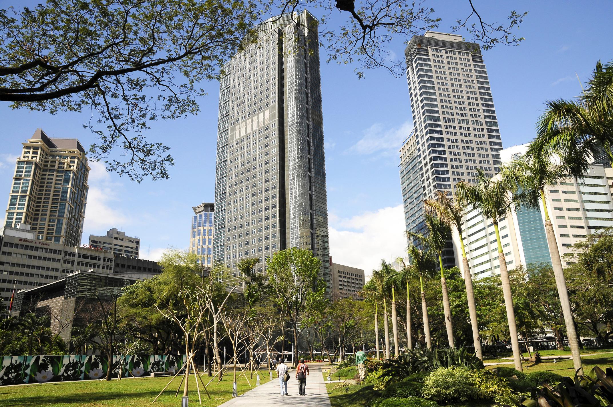 B_119_Makati_Ayala_Triangle_Park_Makati_Ayala_Triangle_Park.jpg