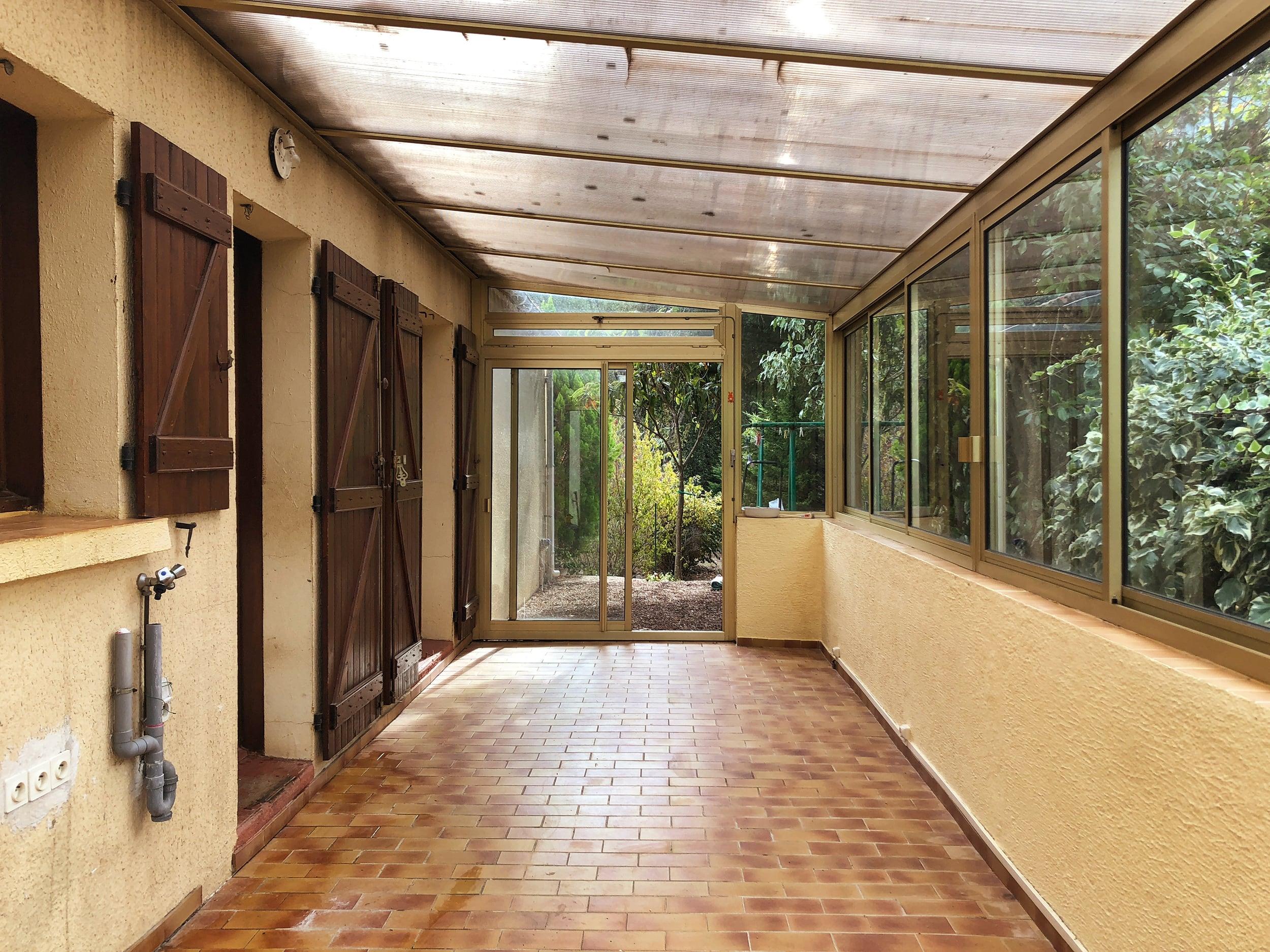 Maison-a-vendre-cevennes-veranda-01-modif.jpg