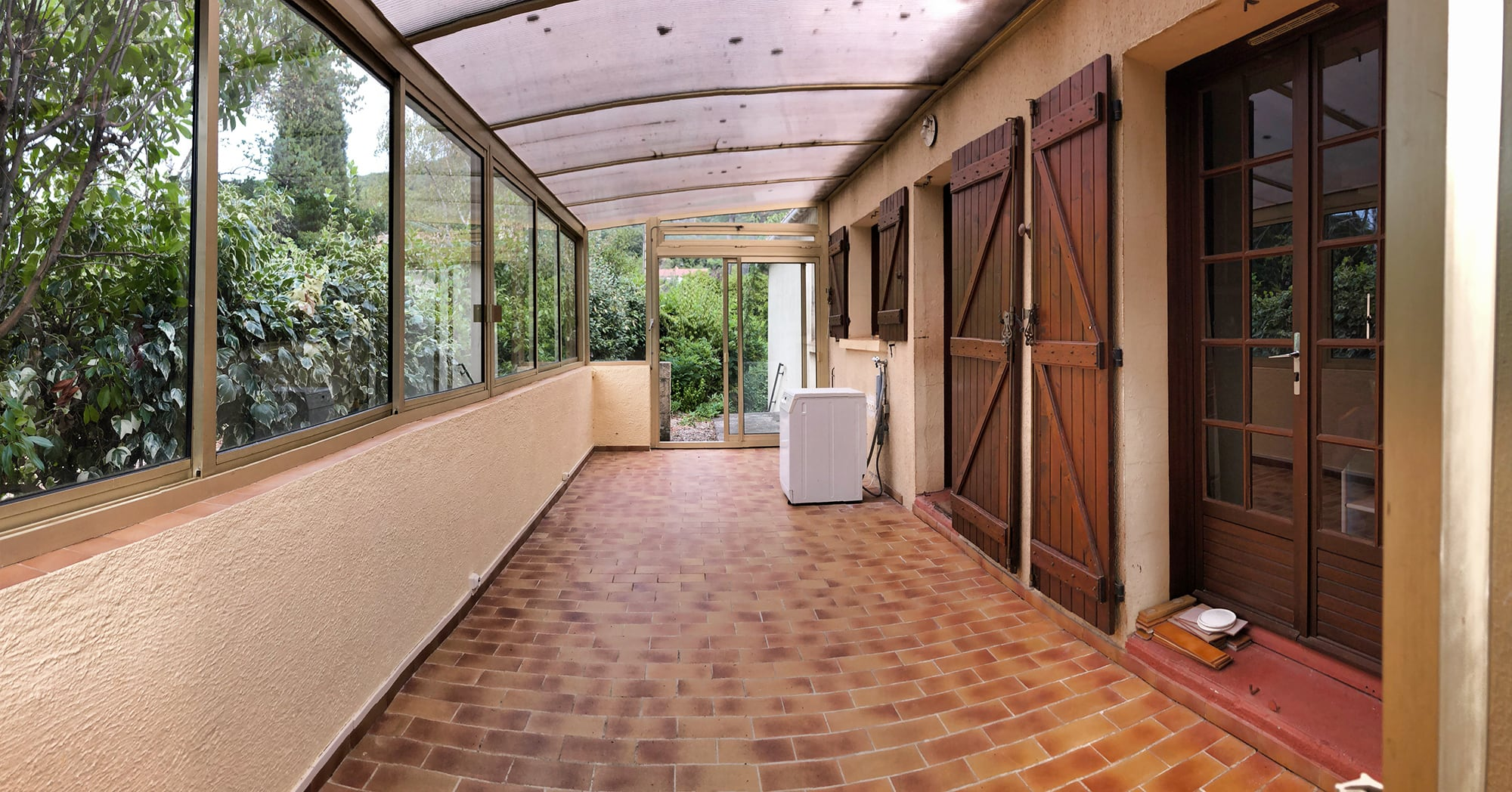 Maison-a-vendre-cevennes-veranda-02-modif.jpg