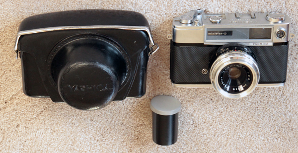 Similar to my dad's camera in the 1960s.