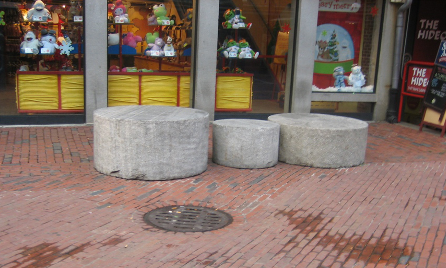 These stones were just the right height to lean on, but not repeated anywhere else. Not very dependable.