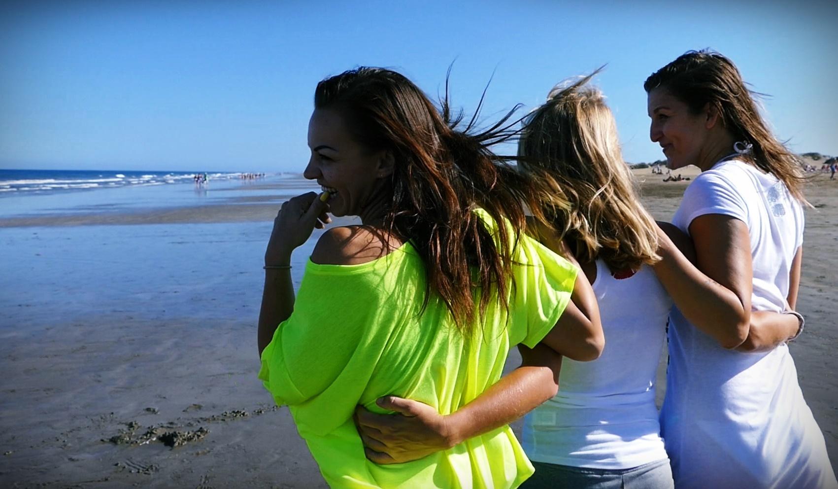 03 Girls on the Beach.jpg