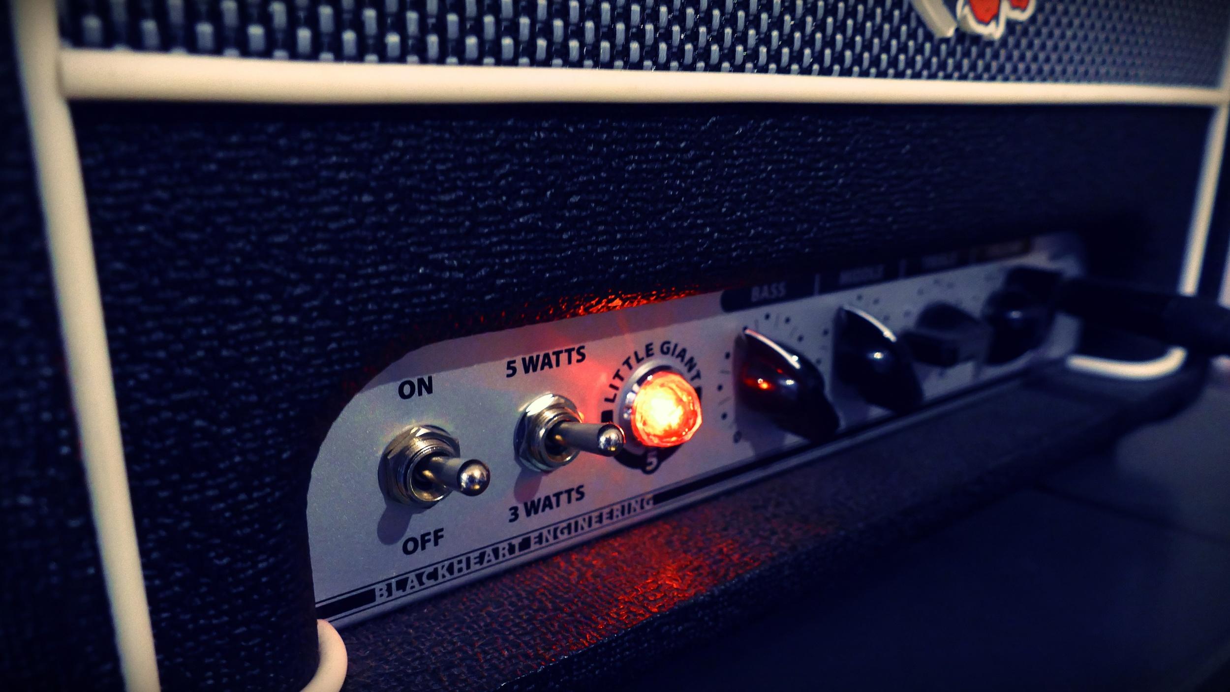 06 The Amp.JPG