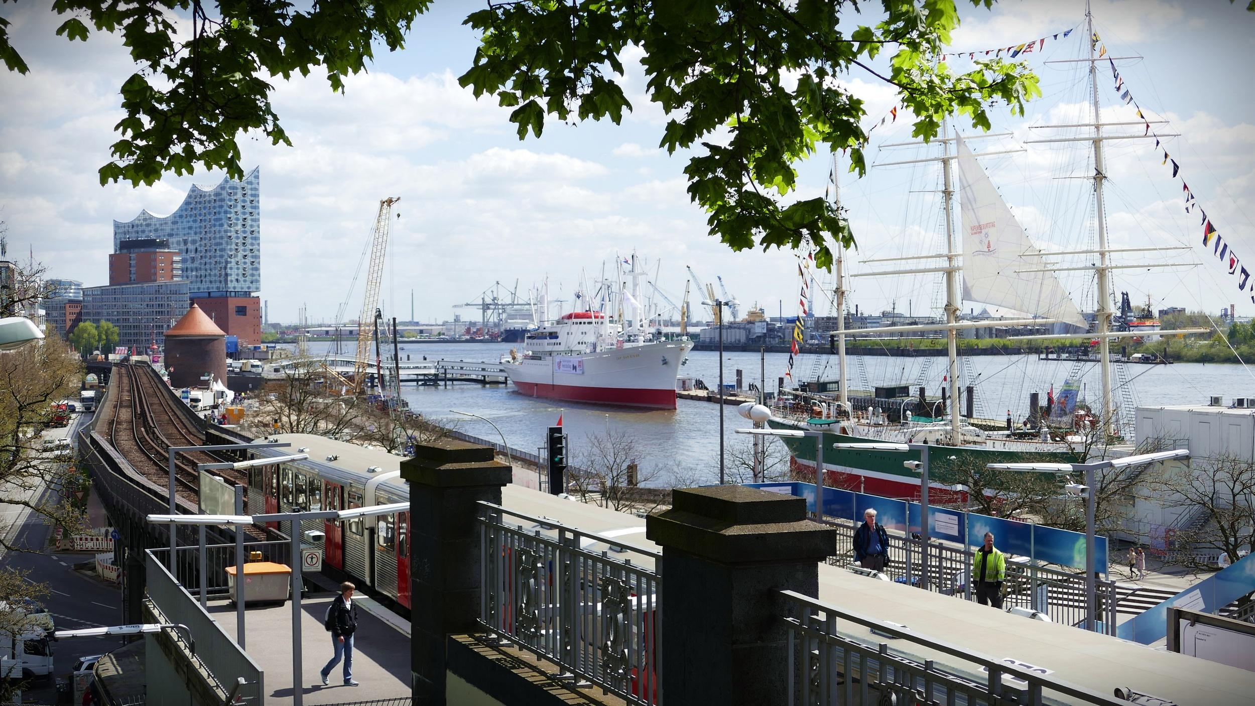 Hamburg Port.JPG