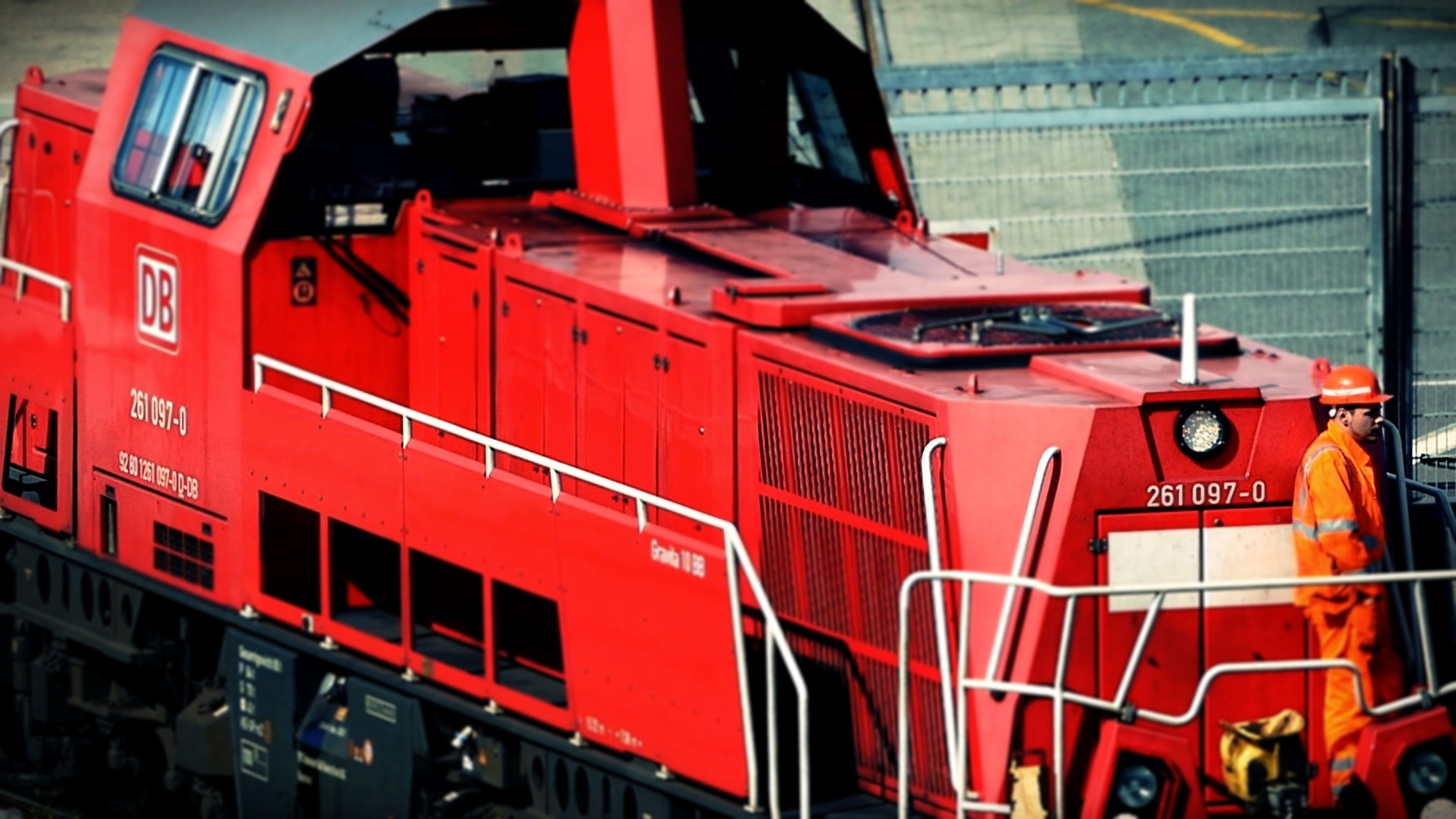 07 Locomotive Breath.jpg