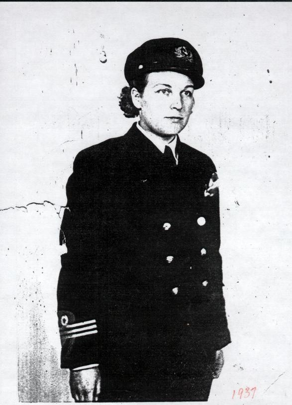 Molly Kool of Alma New Brunswick the first woman in North America to earn her Captains papers.  1939