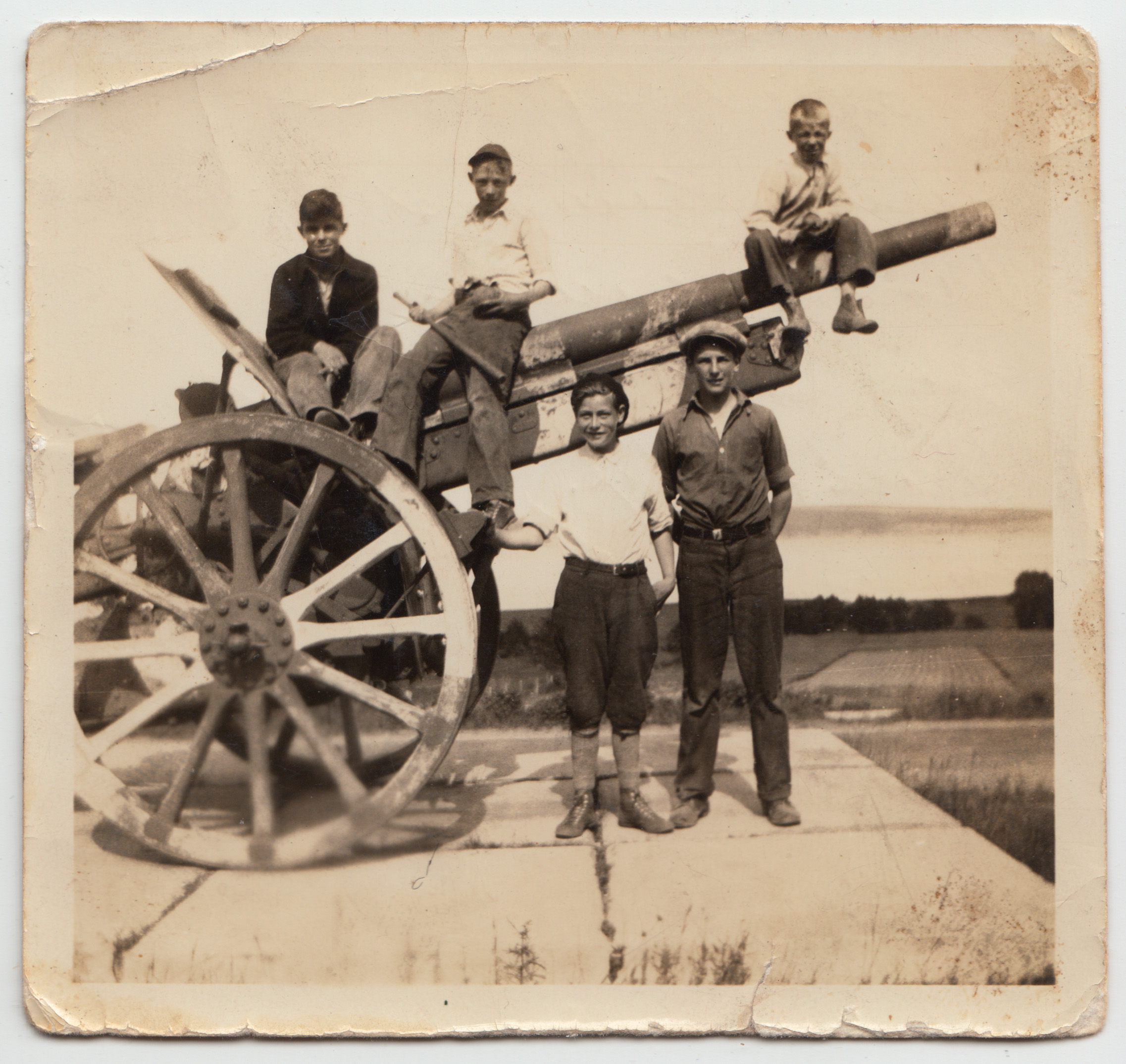 Hopewell Vimy Gun Circa 1935  - Cyril Cook is in this Photo