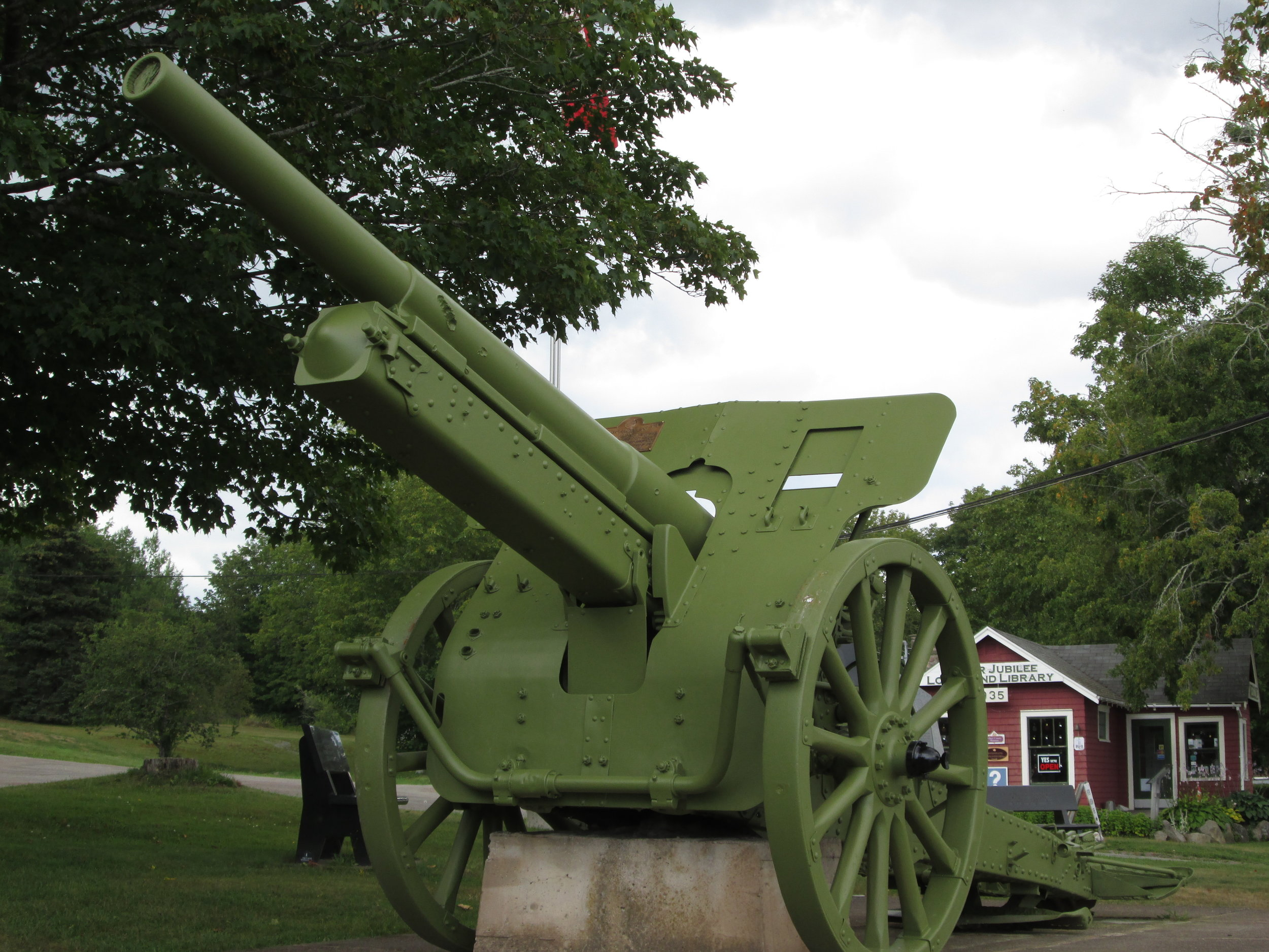 10cm K-14 field gun from Vimy.JPG