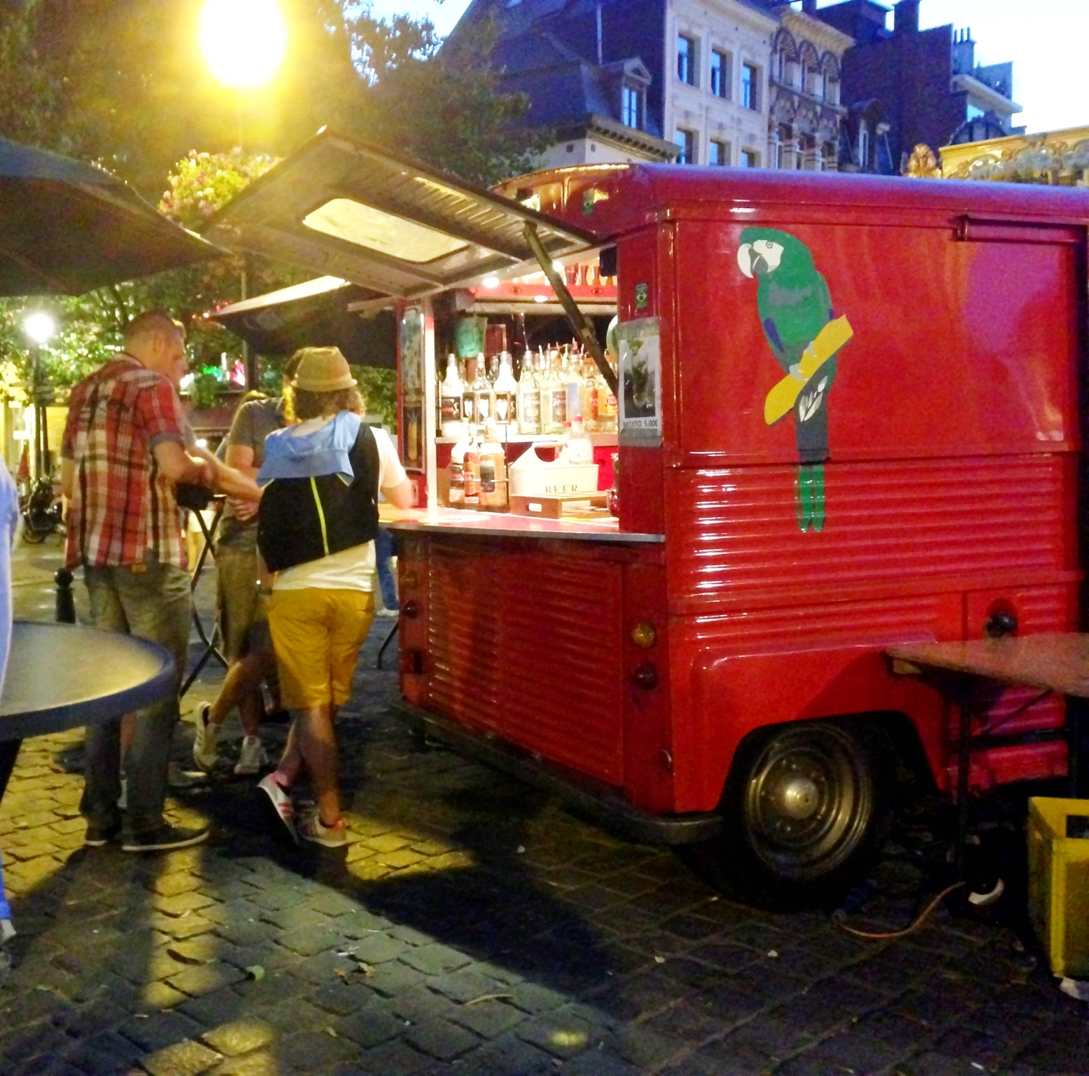 Super cool portable pop up bar in Brussels