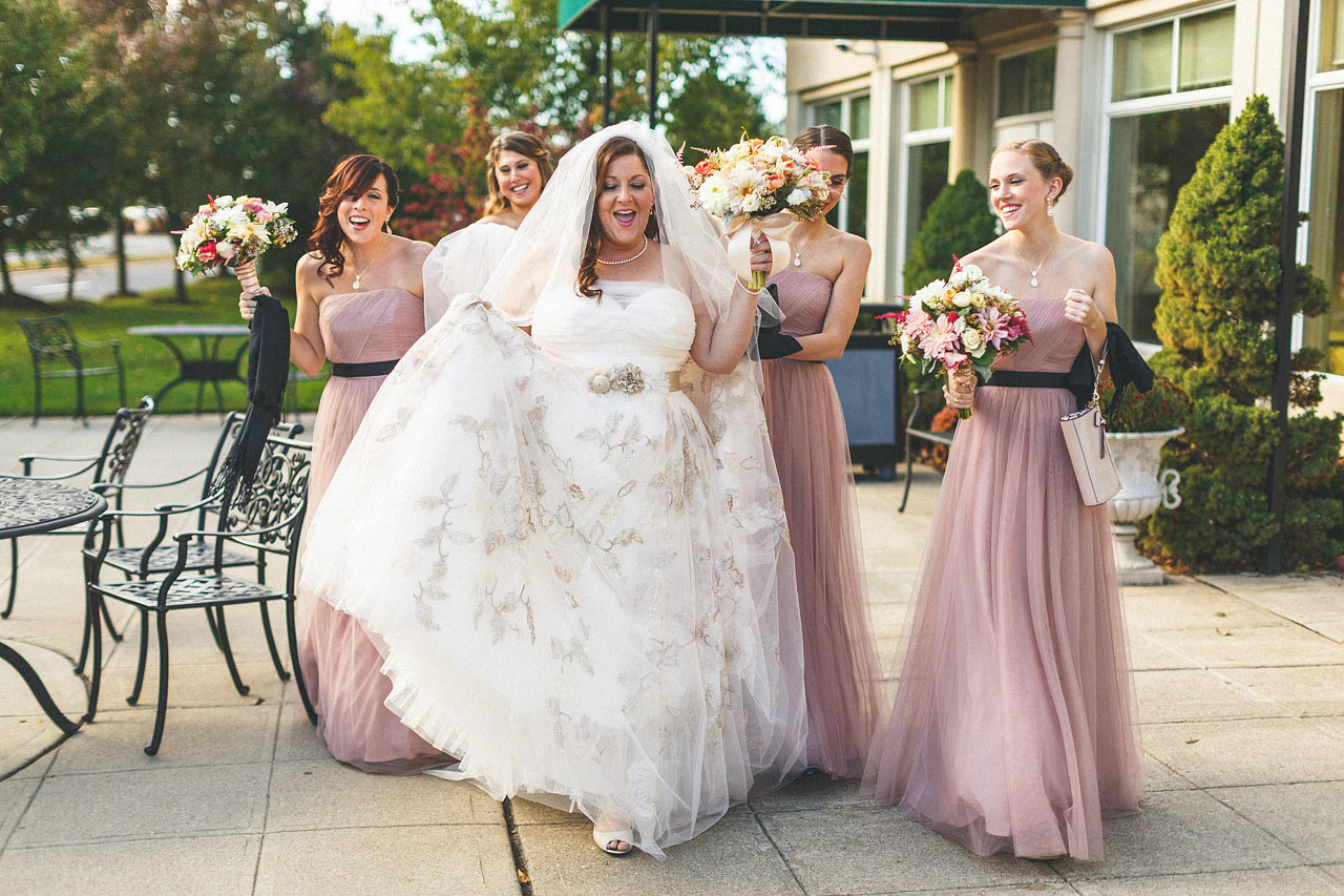 Bride off to her wedding with Bridesmaids