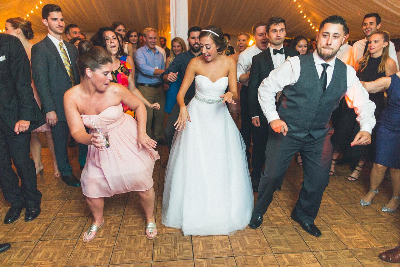 Wobble Wedding Dance