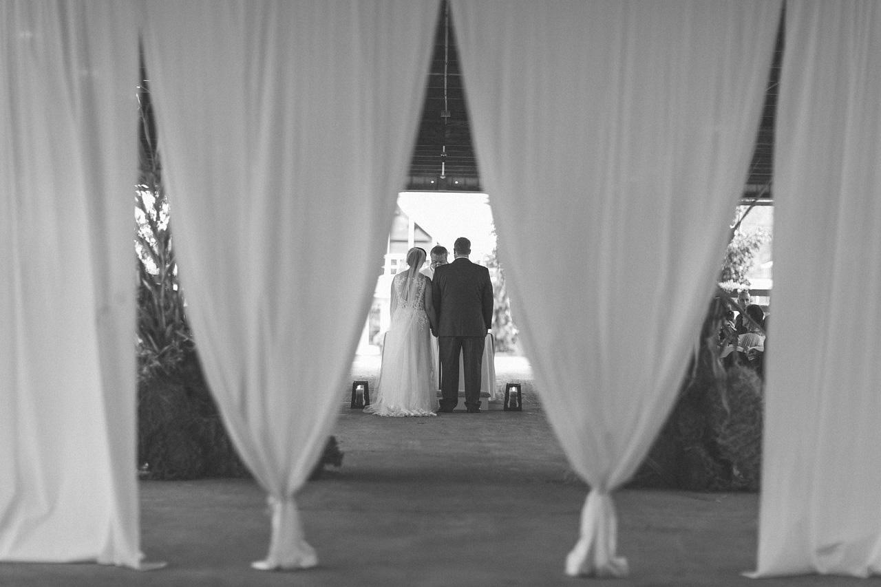 alyssa-dave-wedding-sussex-conservatory-25.jpg
