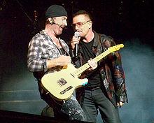 Bono_Edge_Foxboro_09212009_U2360