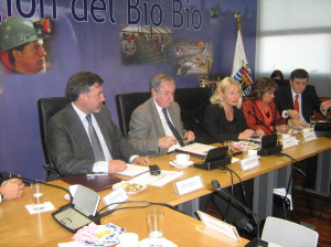 Final feedback session in the Bio Bio Region, Chile: Jaana Puukka presents the outcomes of the World Bank/OECD Review to the representatives of the universities, regional development agency, regional government and national government.