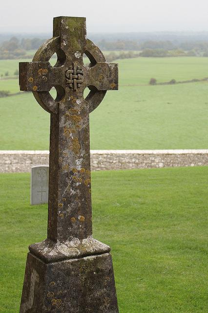 celtic-cross-gravestone-a.jpg