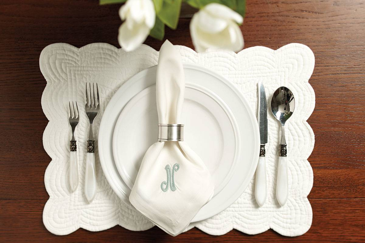 22_place_settings_classic_white.jpg