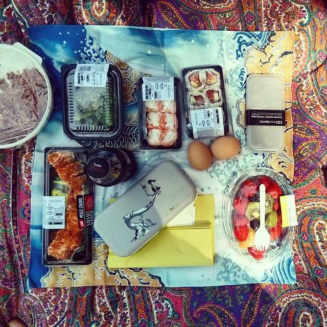 Pick something up for impromptu picnics @martinji7