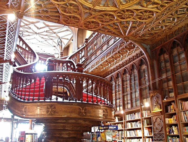 onthesamepage_blog_inside_lello_bookstore