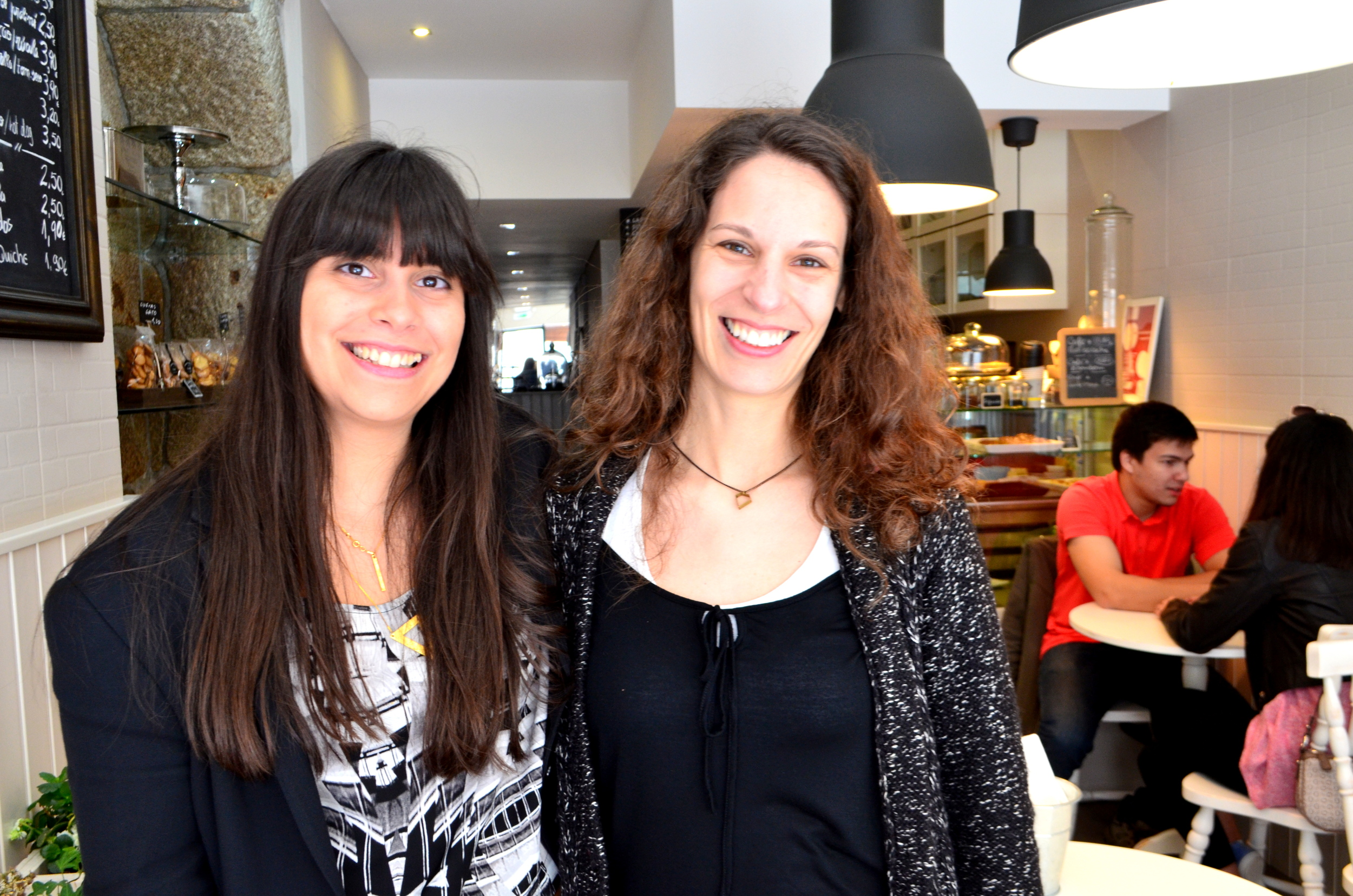 Joana and Vanessa OF  dua2por3  at  Chocolateria das Flores