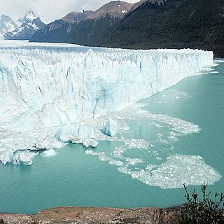 MAPTIA   ____ Contemplating Life in the Presence of Perito Moreno