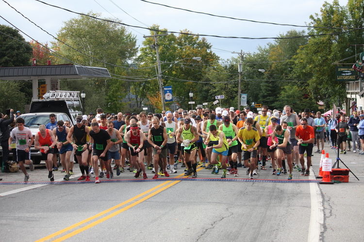 aND THEY ARE OFF. rUNNERS AT THE START LINE. sCHROON LAKER COLLECTION. aLL RIGHTS RESERVED.