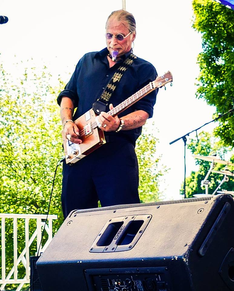 Mark Piper leads the Thursday Night Mic at Witherbee's! Mark is also playing the Dock Street Stage on July 4th from 2pm - 3pm.