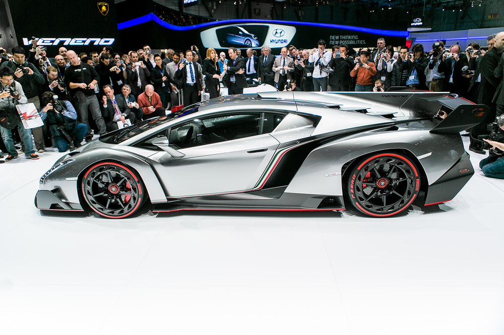 Lamborghini unveiling the Veneno, Geneva motor show 2013
