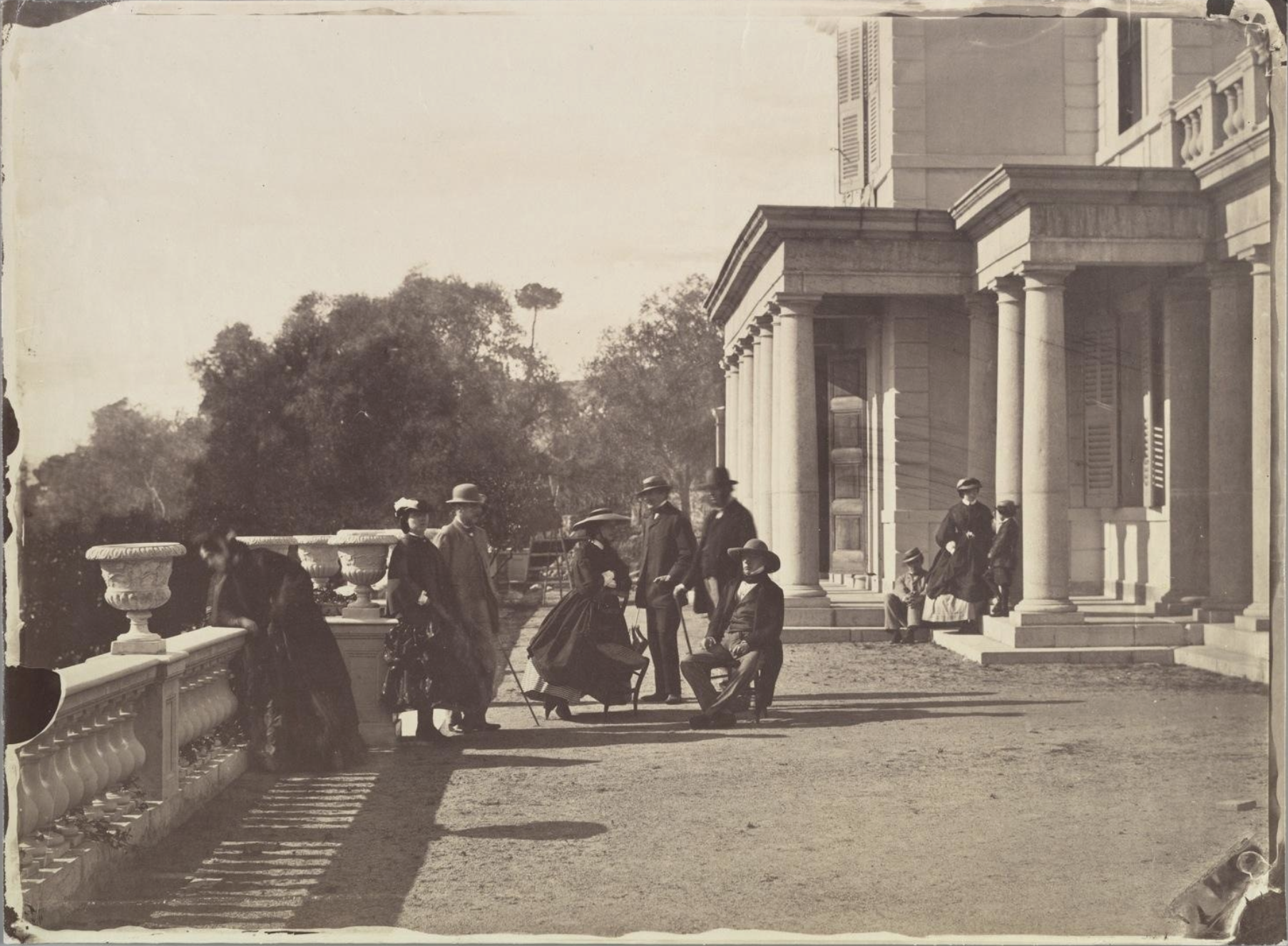Lord Brougham & his family, Cannes / Charles Négre (credit: Metropolitan Museum of Art)