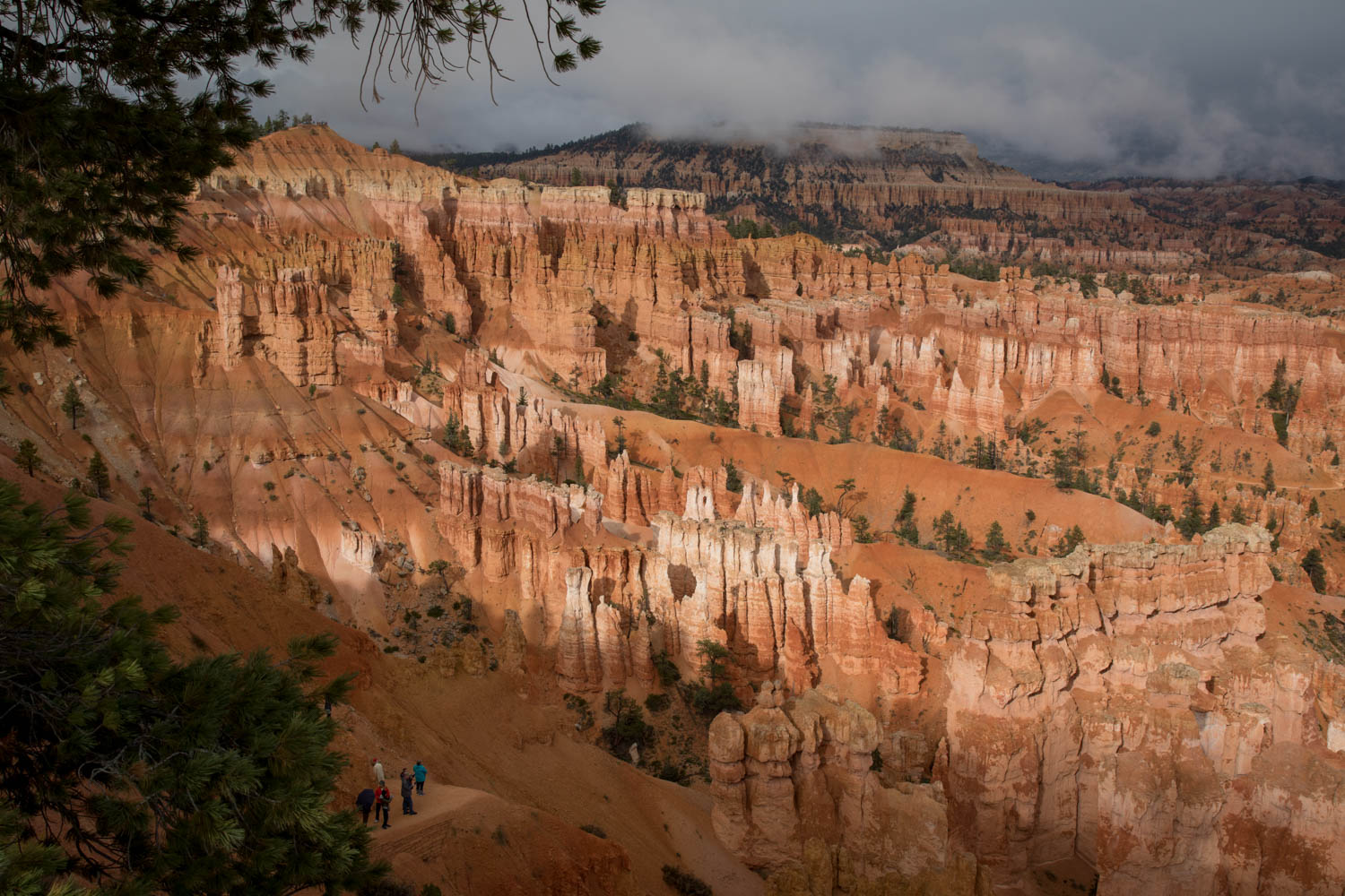 Bryce cloudy morning.jpg