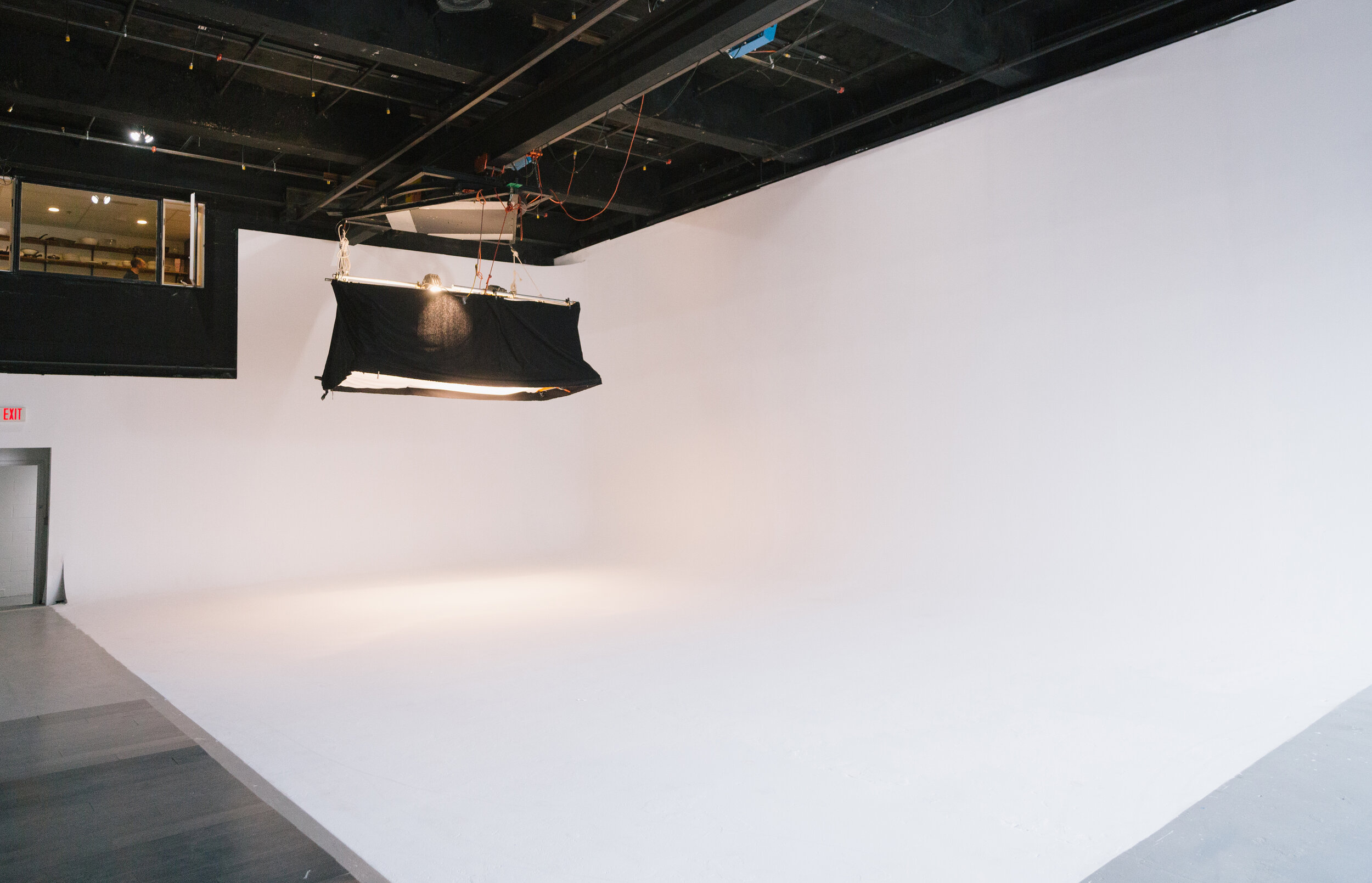 Studio16-7646.jpg
